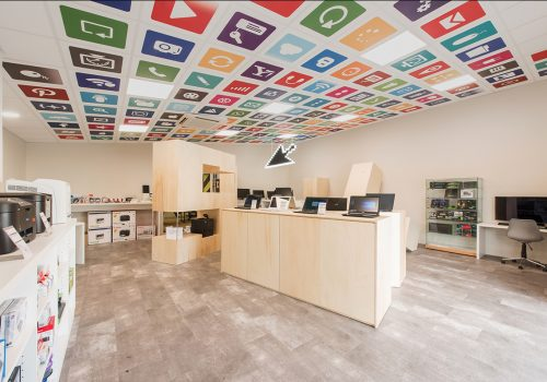 Magasin Informatique Fabrication HENRY Agencement - Creation EDIFIX