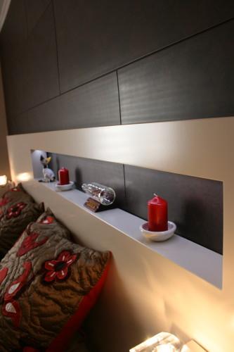 Tête de lit chambre d'hôtel